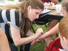 Facepainting (on arm :) at picnic